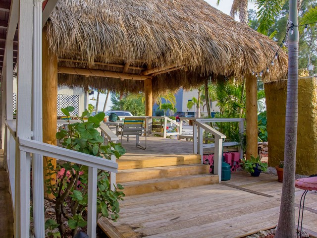 Beachpoint deck with view of Siesta Beach
